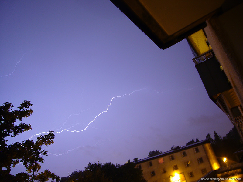 Lucky shot of a lightning that goes almost completely sideways.